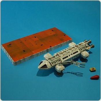 Space 1999 Eagle Transporter  Diecast Set 2 The Exiles